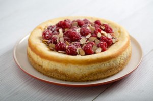 Almond Raspberry Cheescake