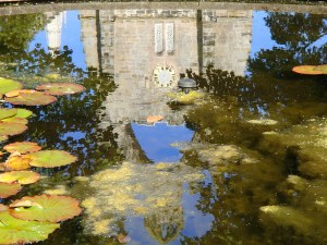 Kings College reflecting in the pool